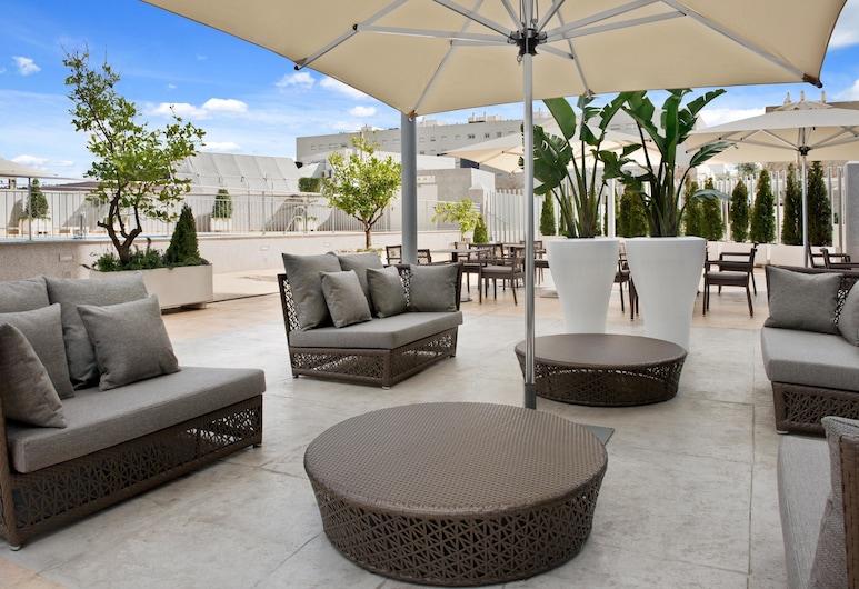 Hilton Garden Inn Sevilla, Seville, Terrace/Patio