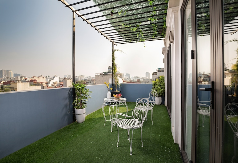Serene Boutique Hotel & Spa, Hanoi, Royal Suite, 1 King Bed, Balcony