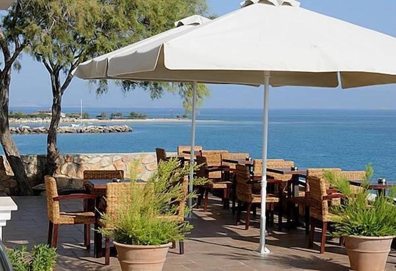 Hotel Kekrifalia, Angistri, Restaurante al aire libre
