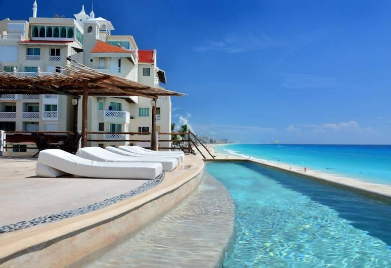 Bsea Cancun Plaza Hotel, Cancun, Outdoor Pool