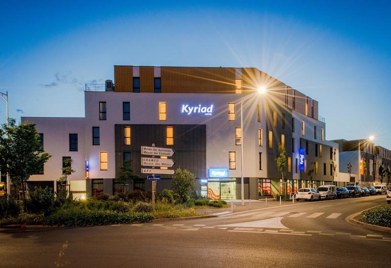 Kyriad La Rochelle Centre - Les Minimes, La Rochelle, Hadapan Hotel