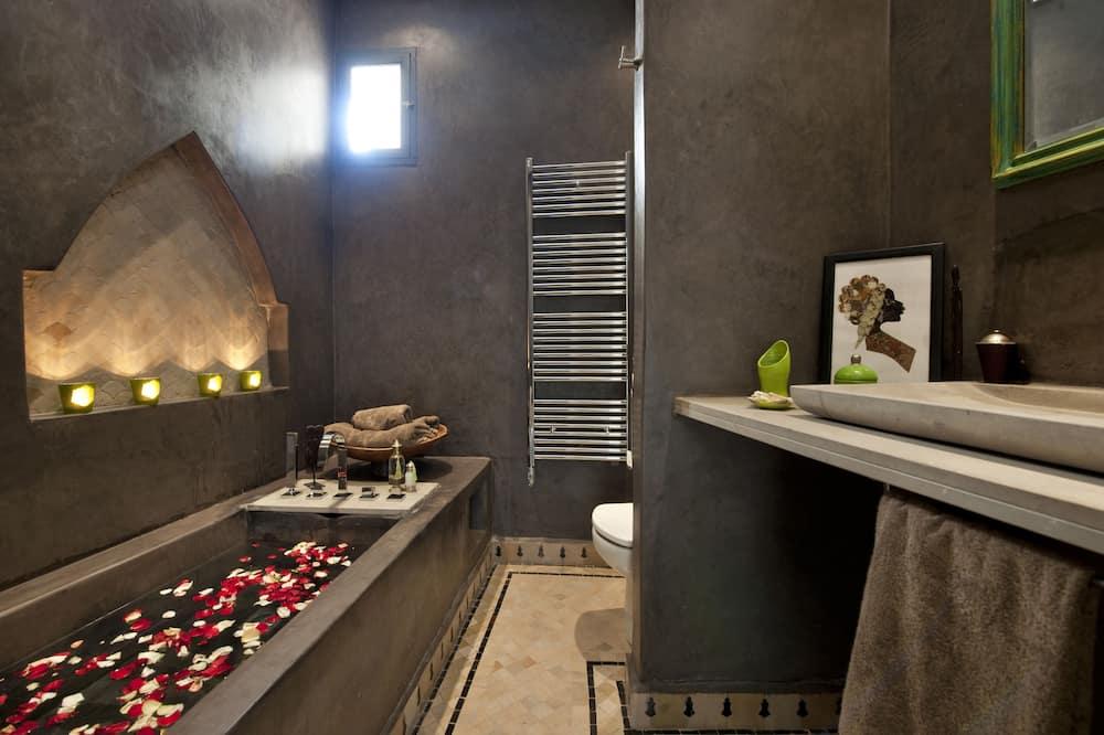 Standard Room (Green) - Bathroom