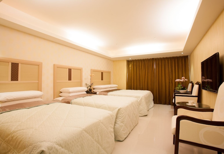 Guide Hotel - Fuxing Branch( Ex Golden Vista Hotel ), Taoyuan City, Elite Quadruple Room, Guest Room