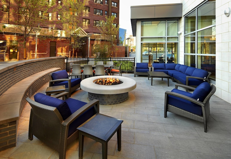 Courtyard by Marriott Cleveland University Circle, Cleveland, Terrace/Patio