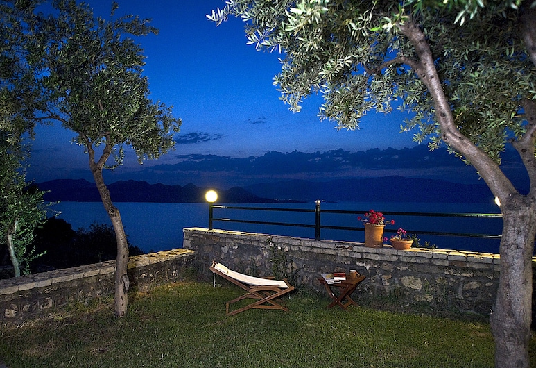 Villa Magemenou, Lefkada, Kawasan Hartanah