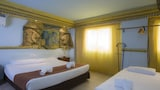 Choose This 1 Star Hotel In Valencia