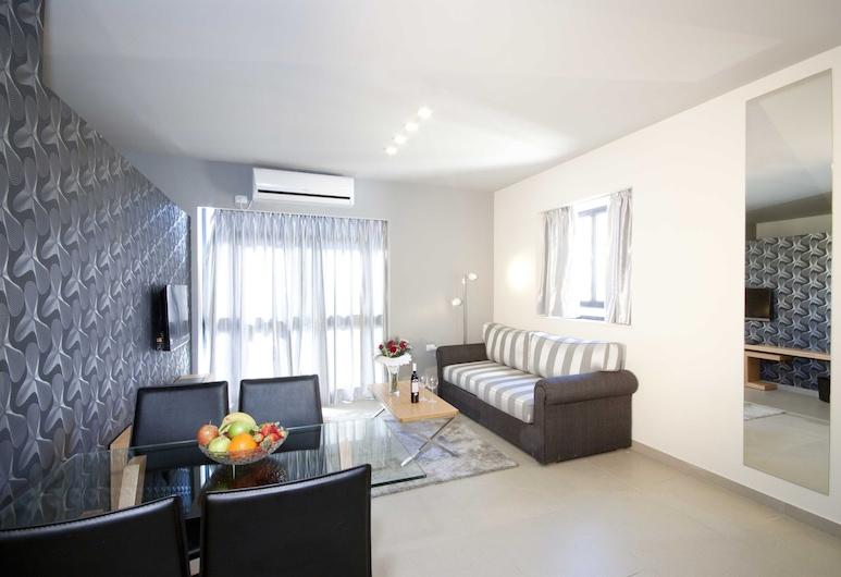 Hillel 11 Hotel, Jerusalem, Family Suite, Living Room