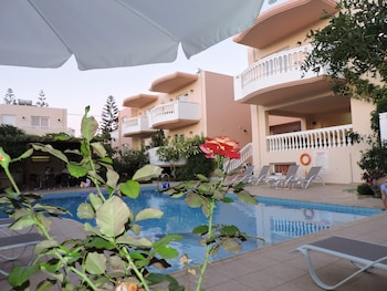Fotografia do Golden Rose Suites em Platanias