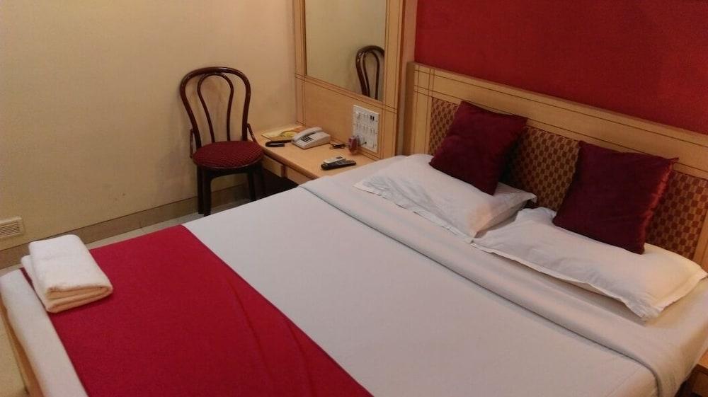 Hotel Cruz Royale, Mumbai