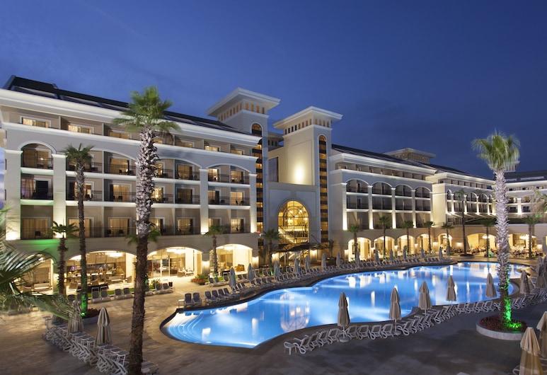 Alva Donna Exclusive Hotel & Spa , Belek, Fachada do Hotel - Tarde/Noite