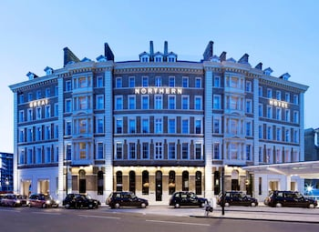 Choose This Five Star Hotel In London