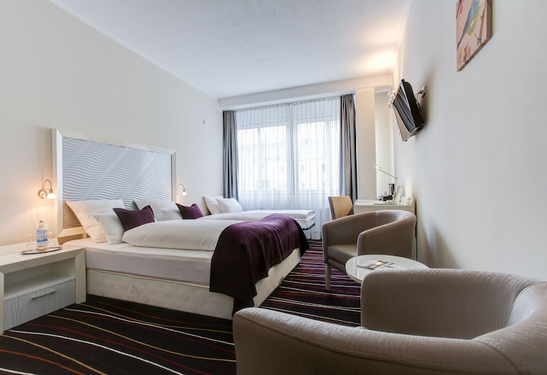 Best Western Hotel Hannover-City, Hannover, Family Room, 2 Twin Beds (1 extra Single bed), Guest Room