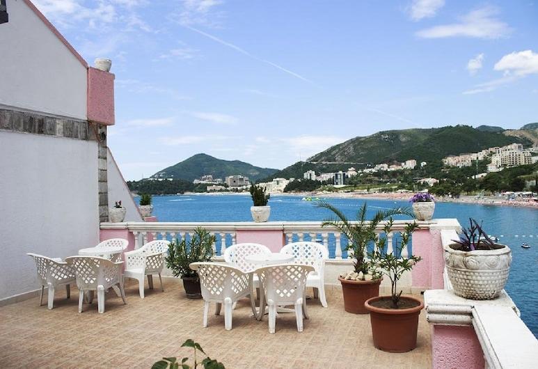 Hotel Kuc, Becici, Terrace/Patio
