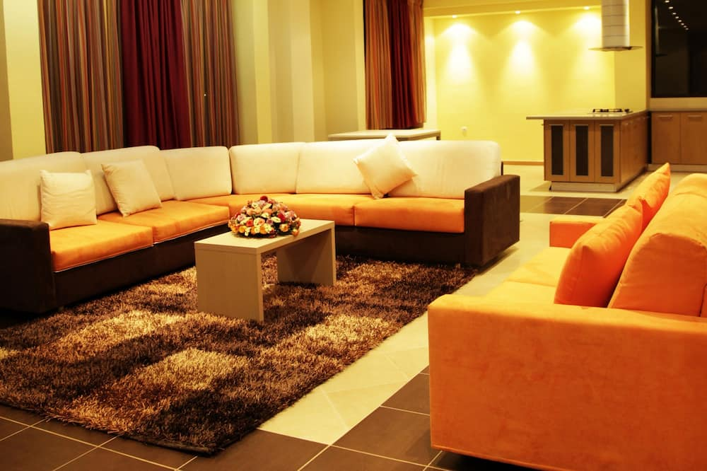Presidential Suite - Lobby Sitting Area