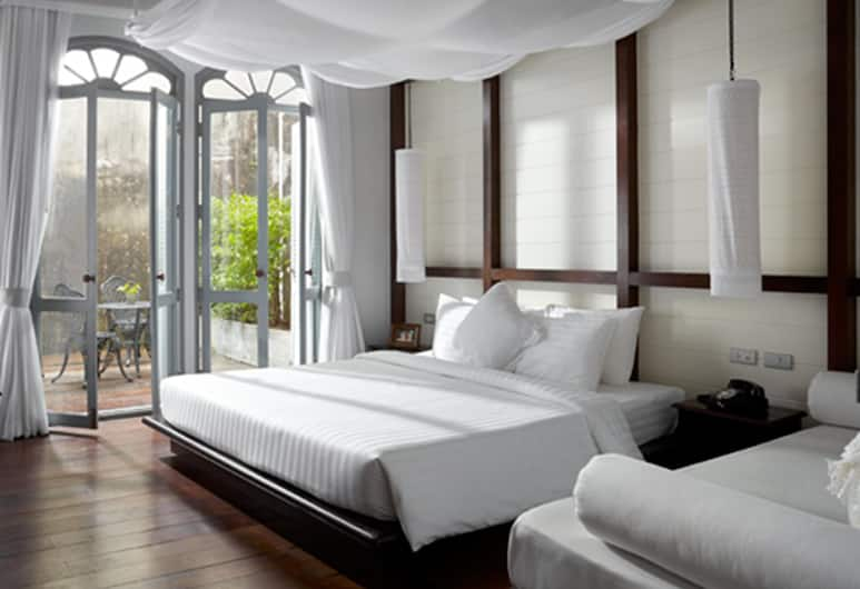 The Memory at On On Hotel, Phuket, Junior Suite, Guest Room