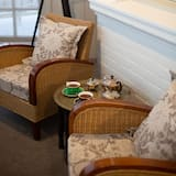 Regatta Suite - Living Area