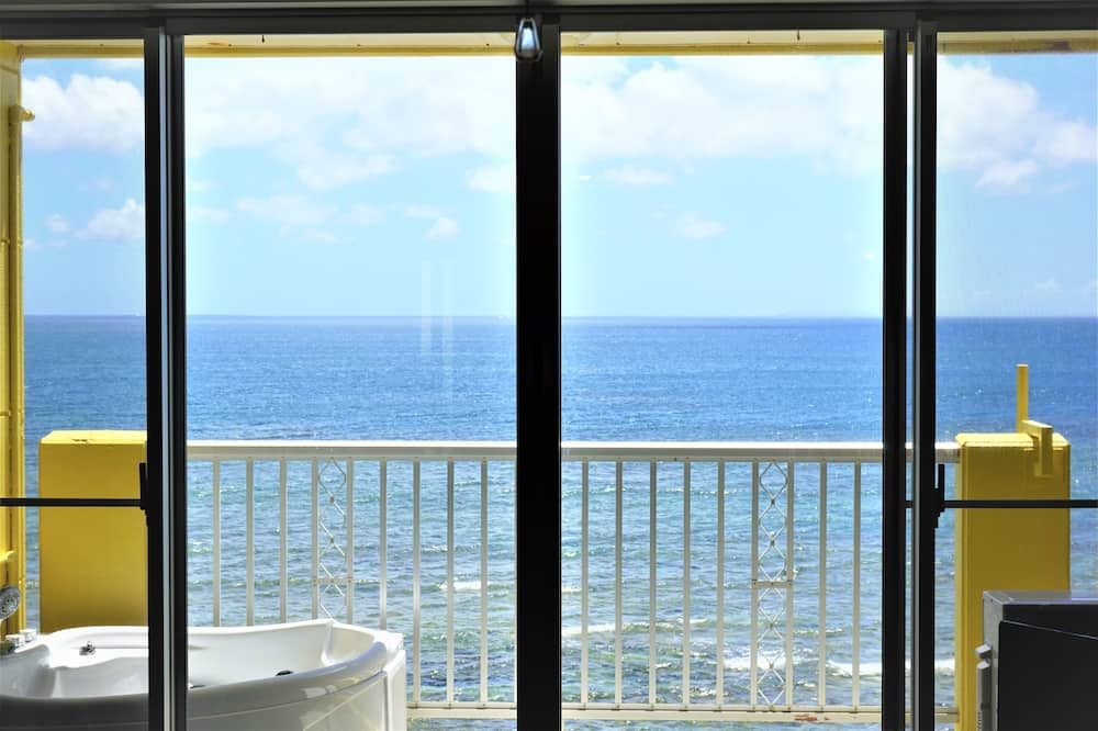Family Suite, 2 Bedrooms, Ocean View - View from room