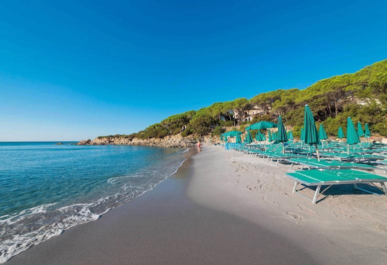 Villaggio Alba Dorata, Orosei, Pantai