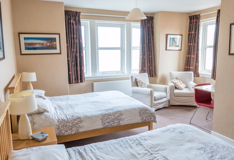 Cruachan Bed and Breakfast, Bathgate, Twin Room, Ensuite, Bilik Tamu