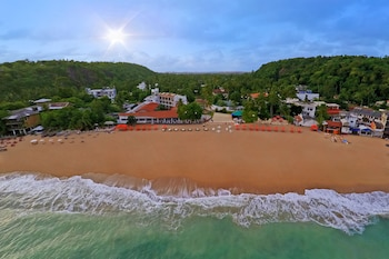 Enter your dates for our Unawatuna last minute prices