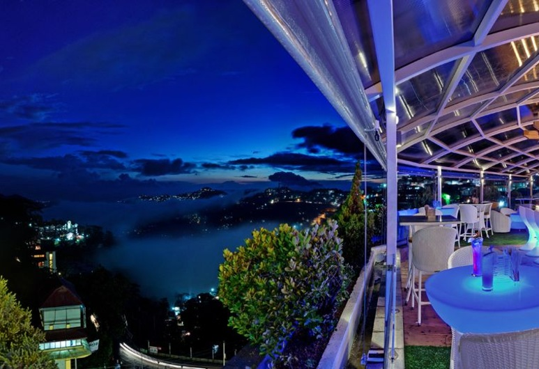 Hotel Combermere, Shimla, Hotel Lounge