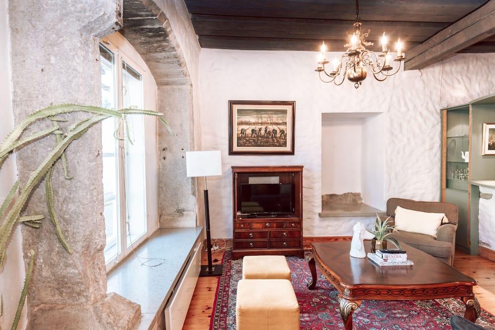 Tradičný apartmán, 3 spálne, výhľad na mesto, na prízemí - Obývačka