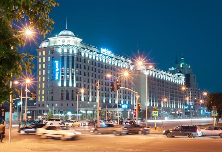 Park Inn By Radisson Astana, Nur-Sultan, Fachada del hotel