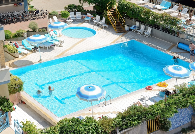 Hotel Caesar, Cesenatico, Outdoor Pool