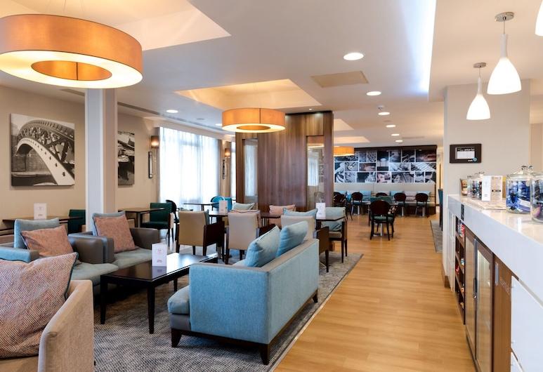 Hampton by Hilton Birmingham Jewellery Quarter, Birmingham, Sitzecke in der Lobby