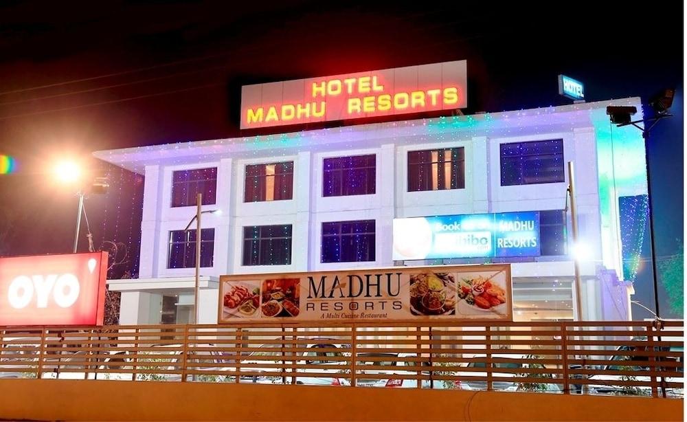 Madhu Resorts, Agra