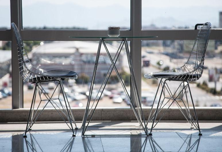 Hotel Aurel, Podgorica, Hotel Bar