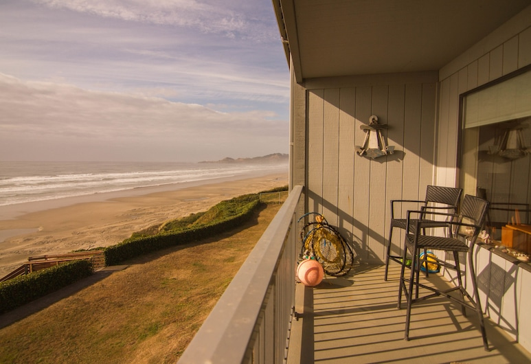 Nye Beach Condos & Cottages, Newport