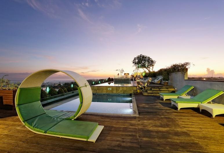 MaxOneHotels at Bukit Jimbaran, Ungasan, Pool auf dem Dach