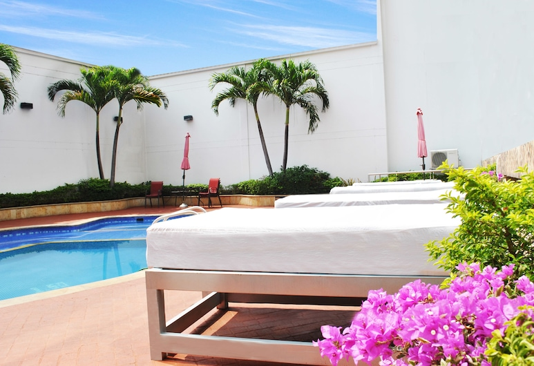 Atlantis Plaza Hotel, Cúcuta, Außenpool