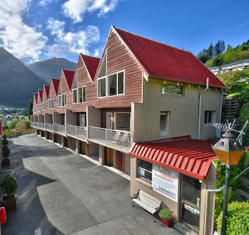 Picture of Turner Heights Townhouses in Queenstown