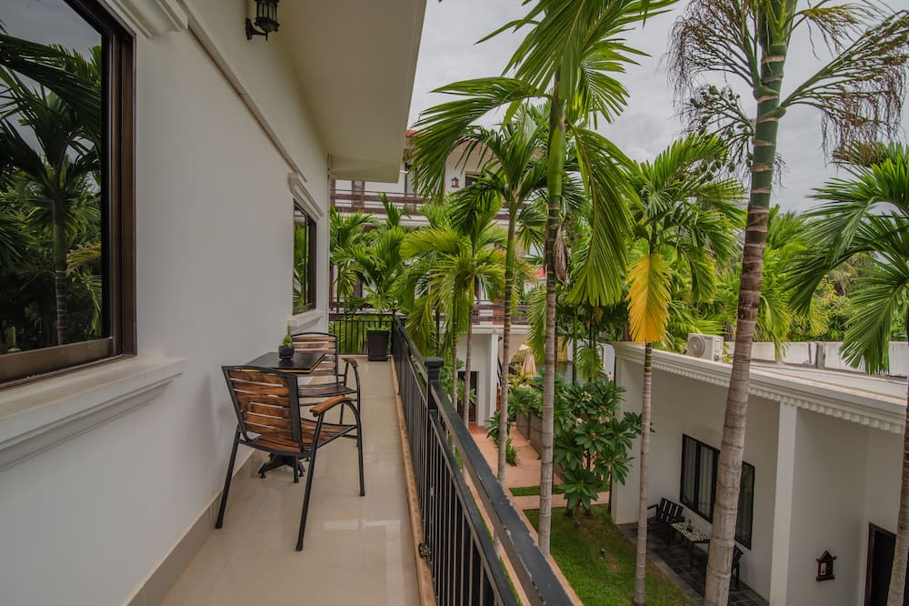 Standard Double Room (Free Round Trip Airport Shuttle) - Balcony View
