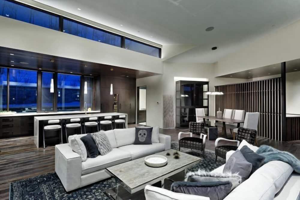 House (Snowmass_Spring_Ridge) - Living Room
