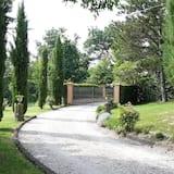 Lomamaja, 2 keskisuurta parisänkyä - Ulkoalueet