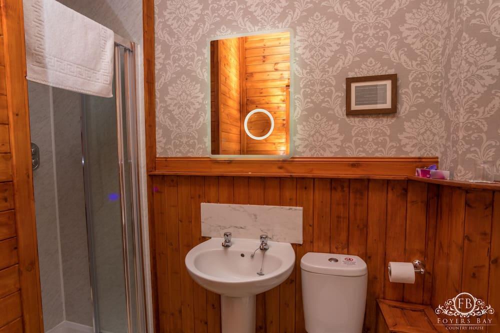 Habitación doble Deluxe, baño privado (Ground Floor Forest View) - Baño