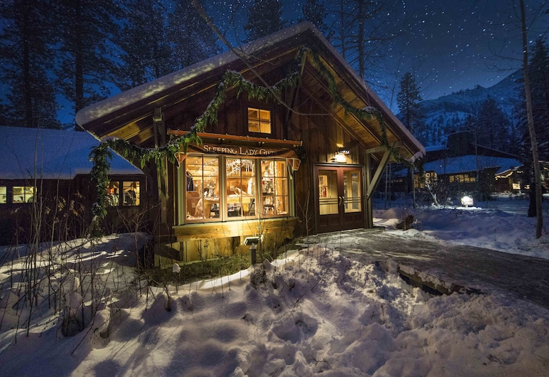 Sleeping Lady Mountain Resort, Leavenworth, Reception