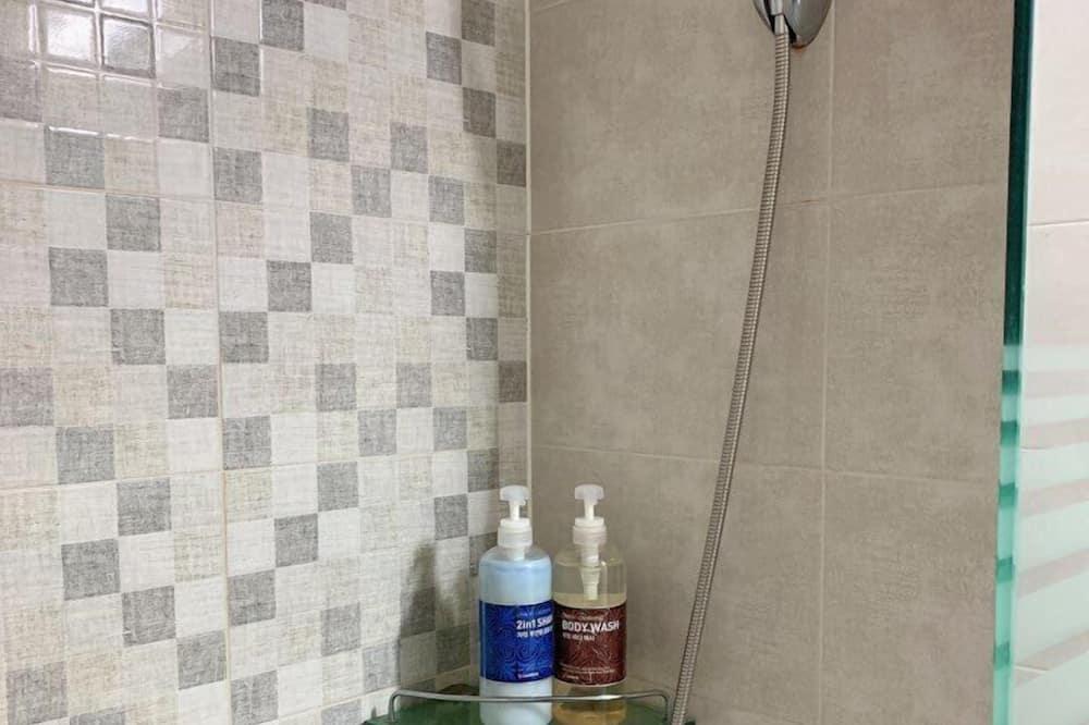 スタンダード ツインルーム - バスルームのシャワー