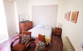 Picture of Central Station House Cettina Room 2 in Catania