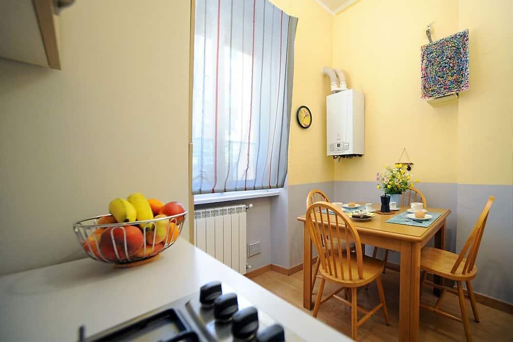 Apartman - Obroci u sobi