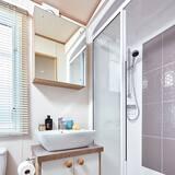 Mobilní dům, soukromá koupelna, částečný výhled na moře - Koupelna