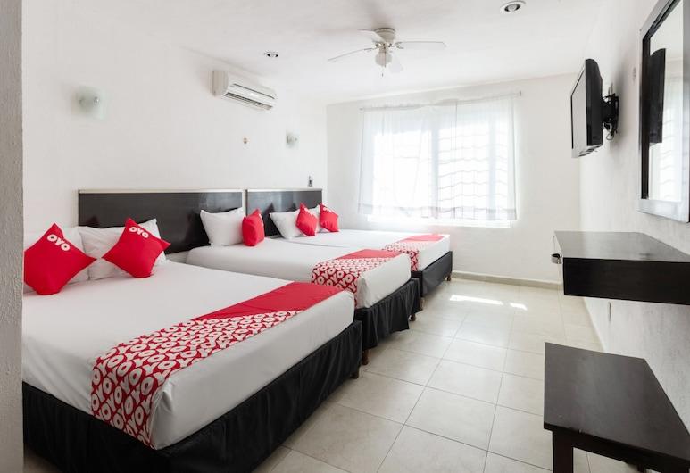 OYO Hotel Puesta del Sol, Campeche, Standard Room, Multiple Beds, Guest Room