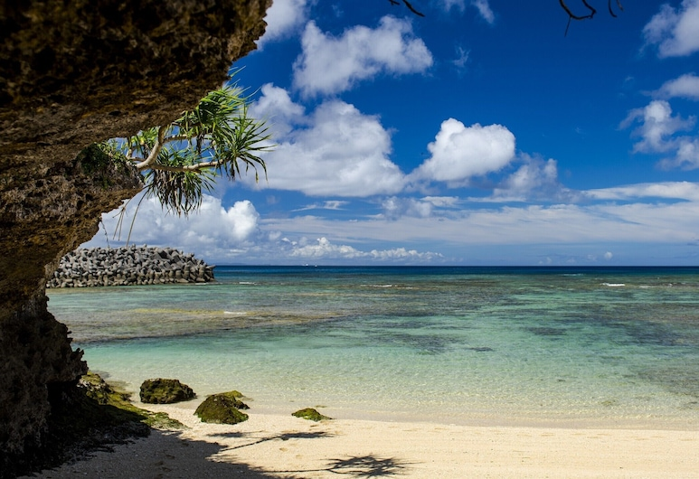 Umi No Terrace Yomitan Toya , Yomitan, חוף ים