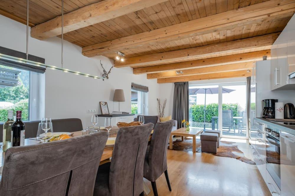 Chalet (5 Bedrooms) - Ruang Keluarga