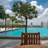 Great Location 1BR Gandaria Heights Apartment