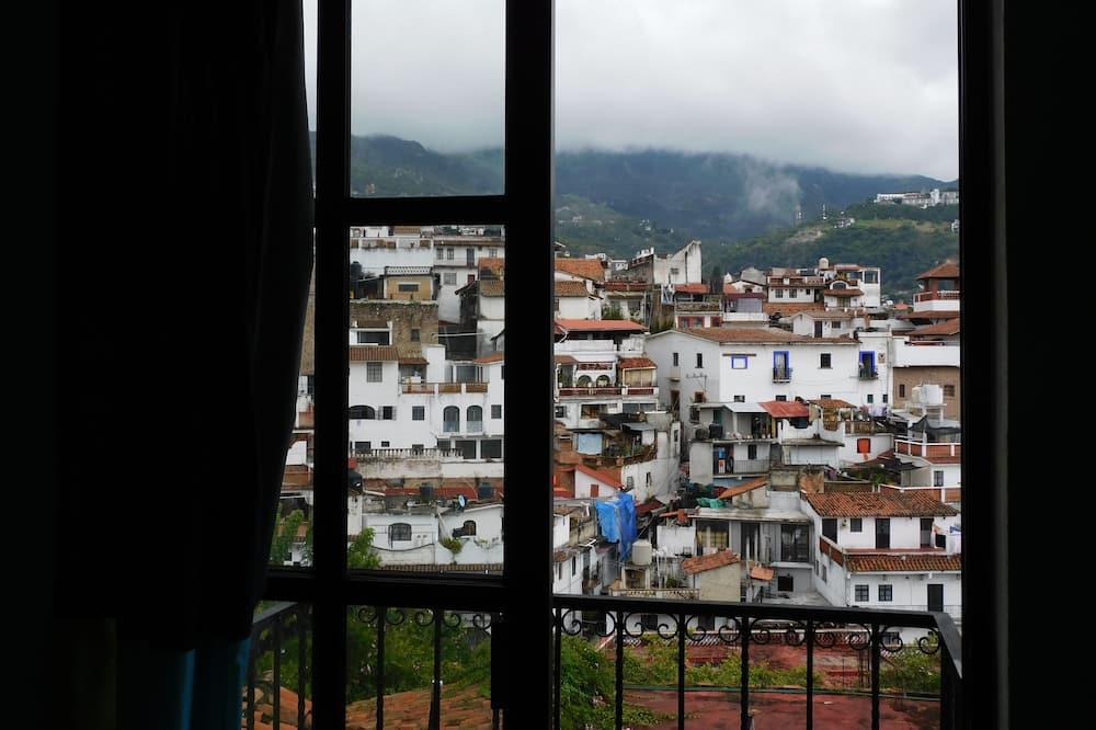 Standard Quadruple Room - City View