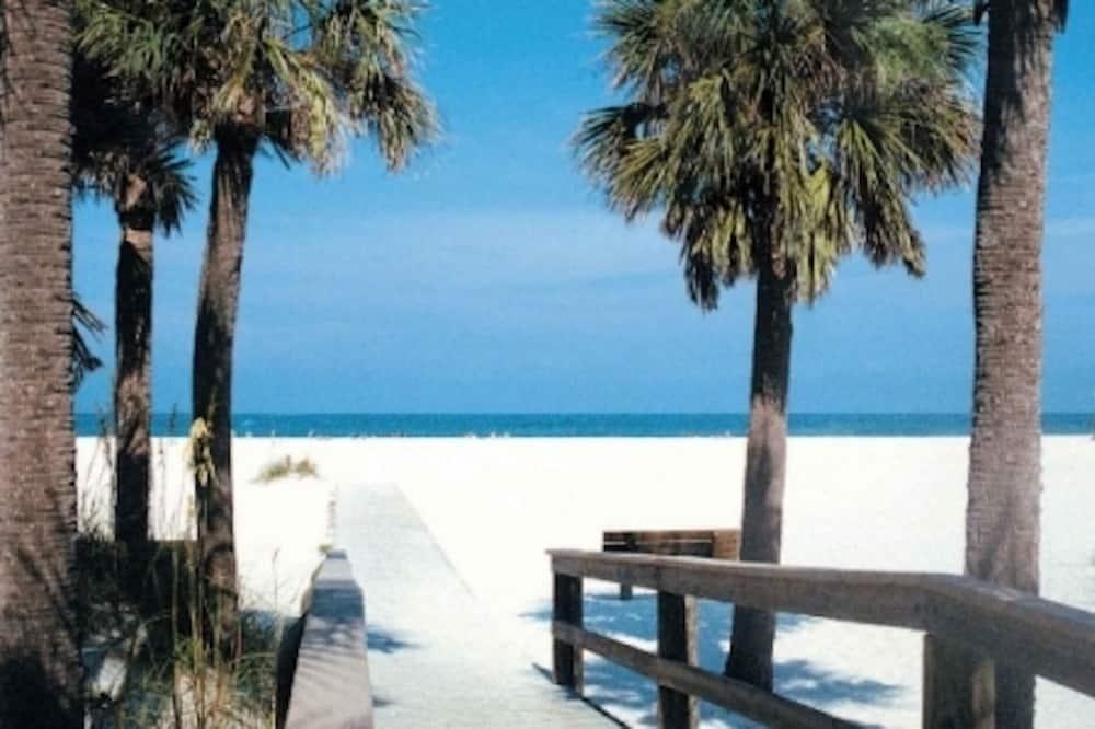 Condo, 1 Bedroom - Beach